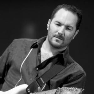Clase de guitarra para principiantes con Javier Calderón