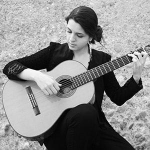 classical guitar lessons Sandrine Luigi